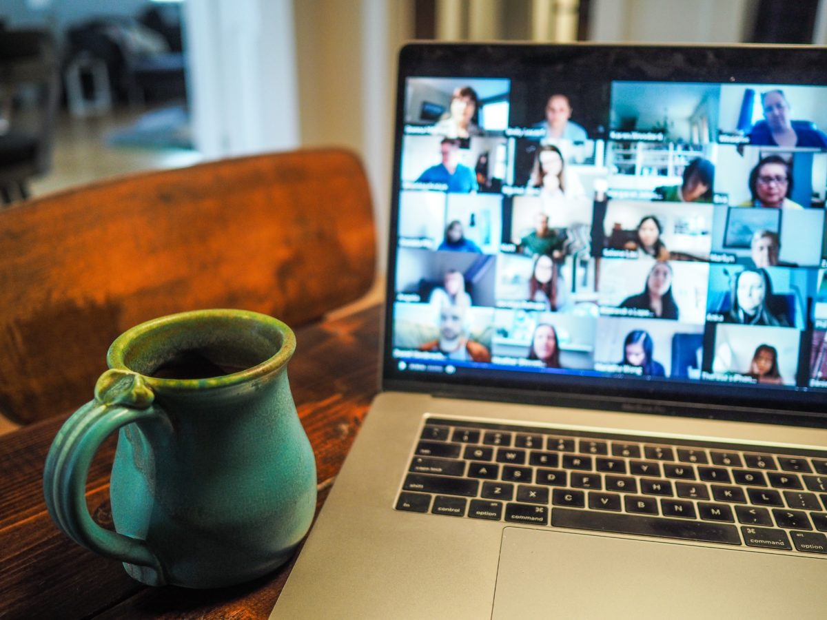 12 expert tips to host your first webinar
